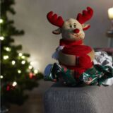 Manta polar con peluche Navidad detalle
