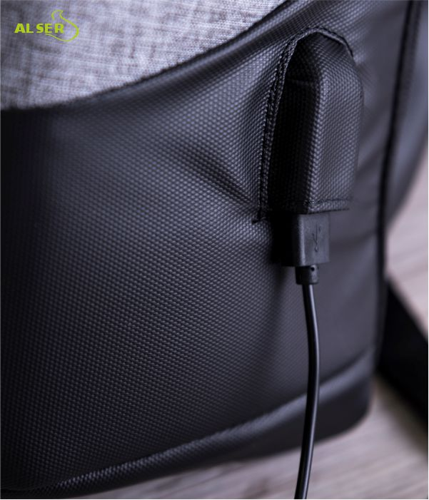 Mochila Antirrobo para portátil. Salida USB. Mochilas Publicitarias.