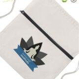 mochila de cuerdas con cremallera detalle de personalización