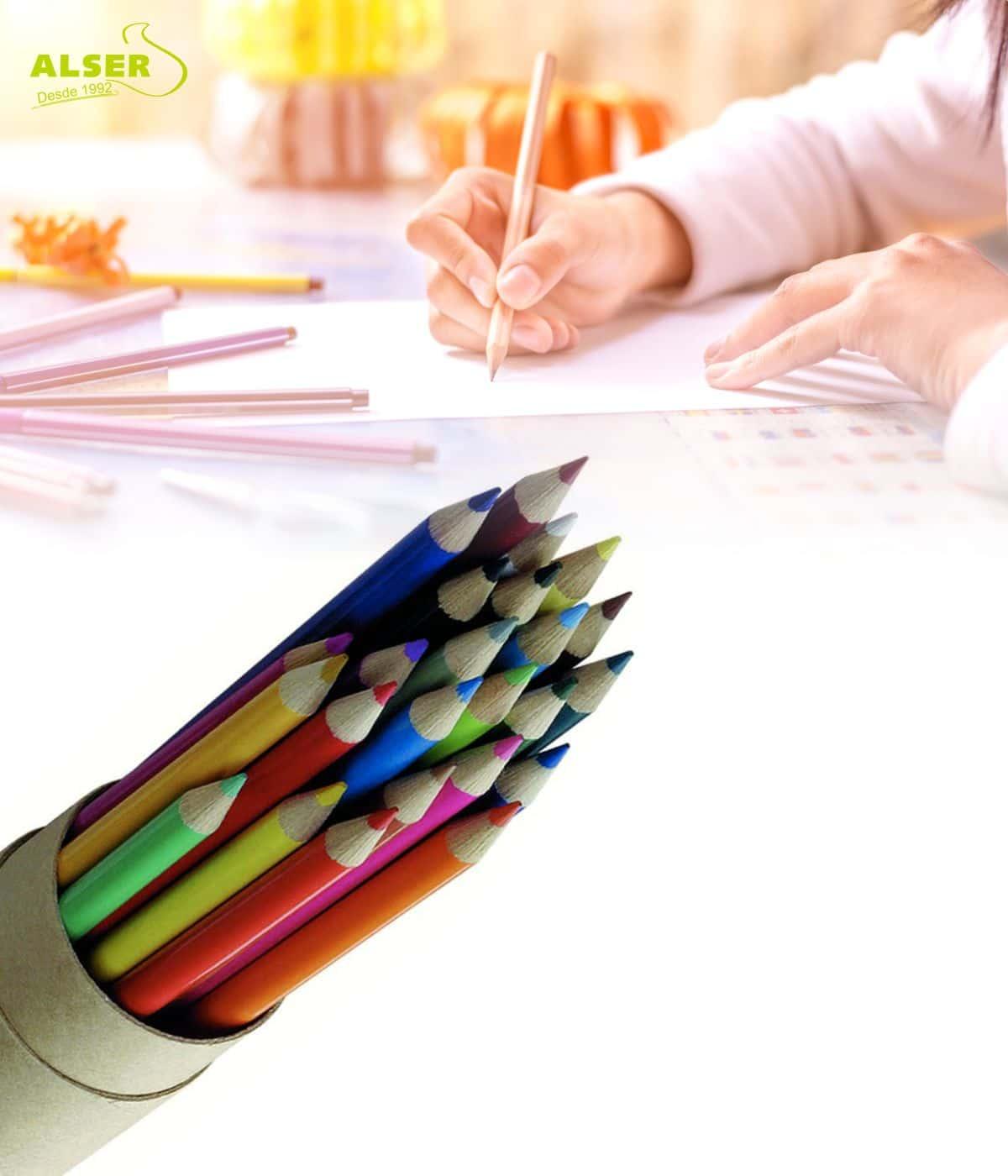 Estuche de 24 lápices de colores