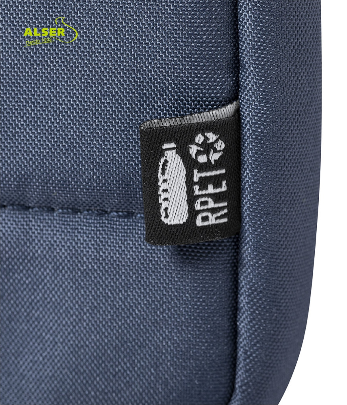 Detalle mochila urbana de RPET